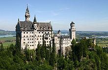 220px-Castle_Neuschwanstein